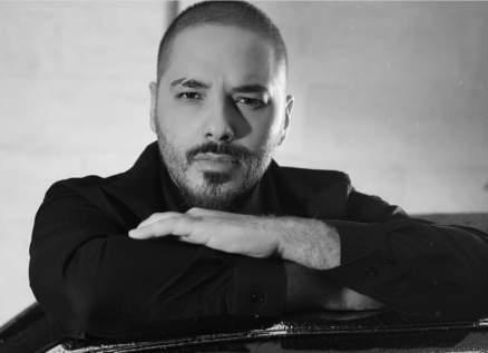 """شاهدوا رامي عياش وهو يسمع النسخة التركية من أغنيته """"مبروك"""" -بالفيديو"""