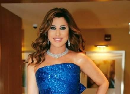 """نجوى كرم تتألّق حضوراً وغناءً في الإمارات.. وتقول:""""الذكي يللي بيوصّل وطنو"""""""