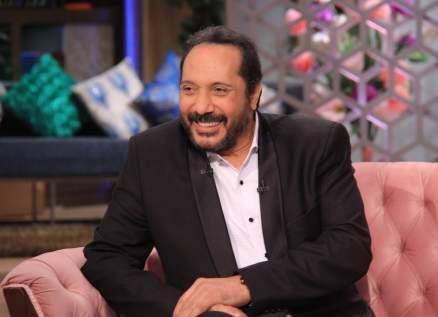 علي الحجار أول فنان مصري يفوز بجائزة السلطان قابوس للثقافة والفنون والآداب