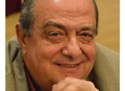 وفاة رئيس أكاديمية الفنون السابق الدكتور عصمت يحيى