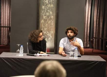 مسرح إسطنبولي يُطلق ندوات رقمية رغم كورونا