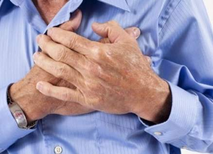 إصابة ممثل مصري شهير بأزمة قلبية