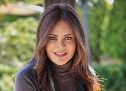 """كارمن لبس لـ نادين نسيب نجيم: """"فظيع إحساسك وشو اتعاطفت معك"""""""