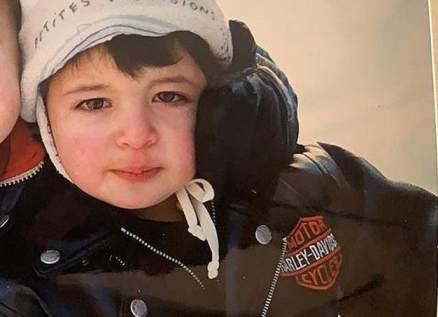 هذا الطفل ابن فنان لبناني محبوب أصبح اليوم شاباً-بالصورة