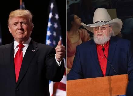 دونالد ترامب وإبنه ينعيان أسطورة موسيقى الريف تشارلي دانيلز