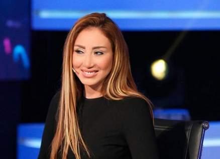 """بعد حلقة """"صيد الثعالب""""..ريهام سعيد تثير الجدل مجدداً بحلقة """"سيدة الكلاب""""-بالفيديو"""