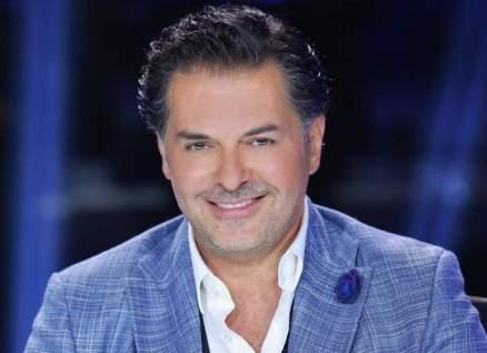 بالفيديو- حملة تصفيق للأبطال على شرفات المشاهير.. راغب علامة وعائلته أول المشاركين