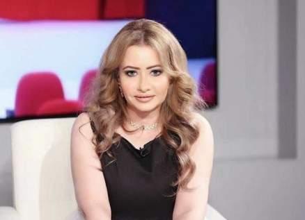 مي العيدان تسخر من أداء هذه النجمة الخليجية بهذا المسلسل.. بالفيديو