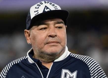 سكتة قلبية تنهي حياة أسطورة كرة القدم دييغو مارادونا