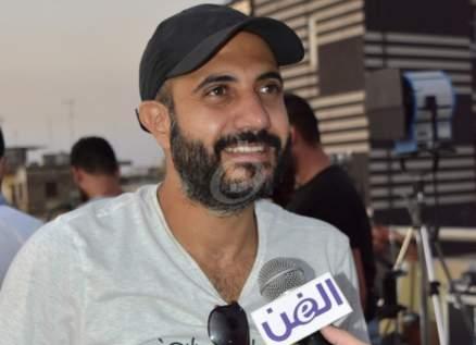 """خاص بالفيديو- أحمد المنجد """"في ورطة"""" بين علي الديك وحسين الديك"""