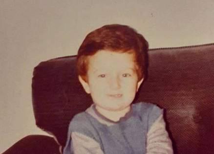 من هو هذا الطفل الذي أصبح ممثلاً تركياً شهيراً؟