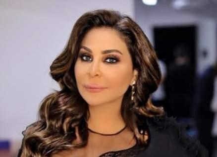 إليسا تدعو زملائها الفنانين لمساعدة الشعب اللبناني