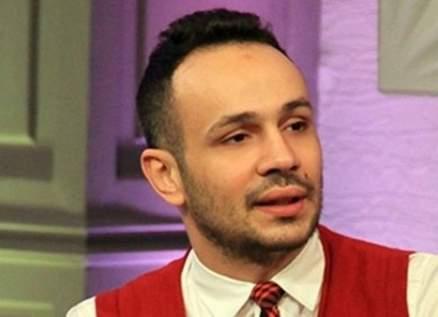 محمد عطية يعلن إرتباطه بمقدمة برامج شهيرة -بالصور