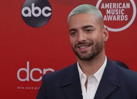 """مالوما يخطف الأنظار على السجادة الحمراء في """"American Music Awards"""".. بالصور"""