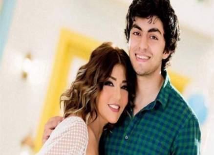 سميرة سعيد توثق مراحل ابنها شادي العمرية في معايدة مبتكرة-بالفيديو