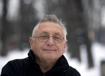 رحيل المخرج جيري مينزل عن 82 عاماً