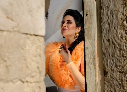 زين عوض تعود إلى الزمن الجميل في أغنيتها الجديدة-بالفيديو