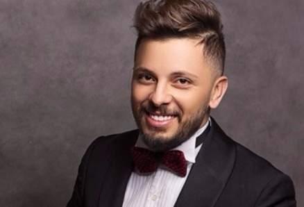 حاتم عمور يشوّق محبيه لأولى أغاني ألبومه الجديد Allo les amis-بالفيديو