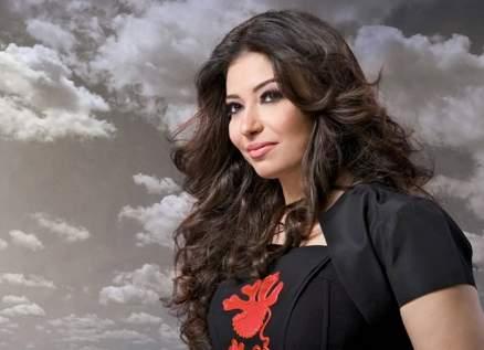 """غادة رجب تناجي حبيبها بـ""""شمس الوصل""""-بالفيديو"""