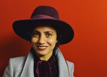 """آمال المثلوثي """"صوت الثورة التونسية"""".. شاركت بحفل نوبل للسلام وأول فنانة تغني في فيلم إيراني"""