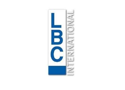 LBCI تستهل نشرتها بالتصفيق للطاقم الطبي بلبنان بصورة مشرفة