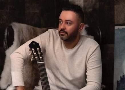 حاتم فهمي يخضع لجلسة تصوير جديدة إستعداداً لألبومه المنتظر-بالصور