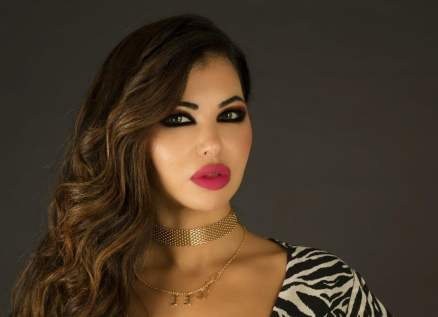 ياسمين نيار تكشف حقيقة تحولها جنسياً وتعدي غادة عبد الرازق عليها بالضرب