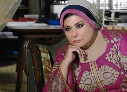 سهير رمزي يُغمى عليها في جنازة محمود ياسين- بالصور