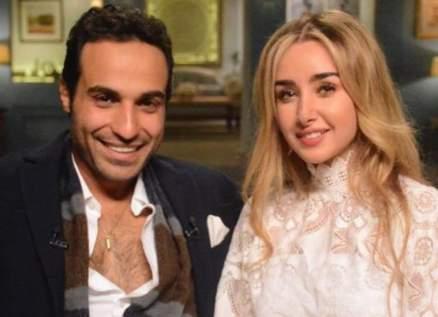 هنا الزاهد تُعايد زوجها أحمد فهمي