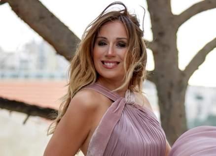 كارين رزق الله تسخر من العهد الحالي-بالفيديو
