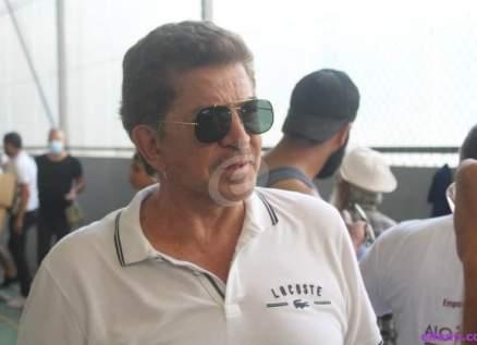 خاص بالصور-وليد توفيق يشرف على توزيع مساعدات إنسانية في طرابلس
