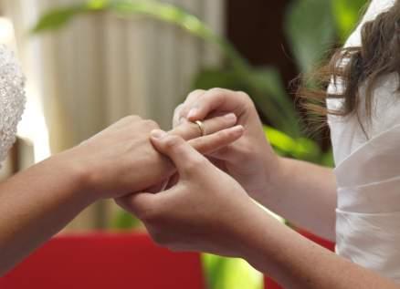 غضب كبير بعد زواج شابتين مثليتين في الأردن! -بالفيديو