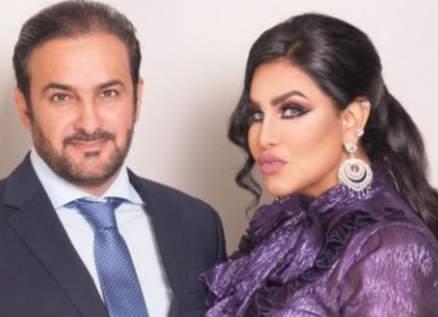 أحلام تغازل مبارك الهاجري وتطبع قبلة على جبينه في عيد زواجهما-بالصورة