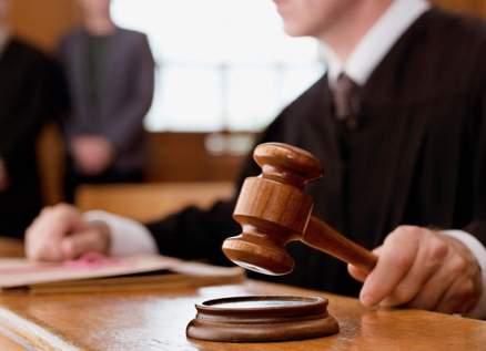 سيدة تقاضي زوجها في محكمة أبو ظبي لهذا السبب الصادم!