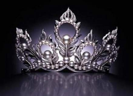 طرد ملكة جمال من المسابقة البريطانية الوطنية بعد تسريب صور إباحية لها