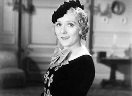 """ماري بيكفورد """"محبوبة أميركا"""".. حُرمت من الإنجاب وتحوّلت إلى إمرأة وحشية بسبب الكحول"""