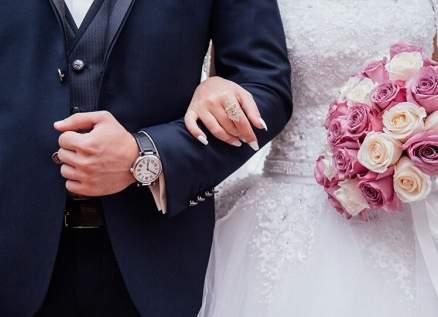تزوج 4 مرات من العروس نفسها في أقل من شهر.. والسبب لا يخطر على البال