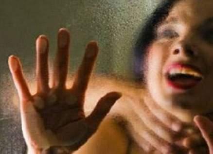 حكم قاس في هذه الدولة على أربعة رجال إغتصبوا شابة جماعياً
