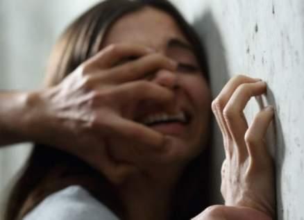 شاب كويتي يغتصب فتاة قاصر بوحشية ويصورها عارية