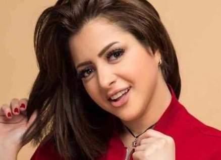 بالصورة- بعد ظهورها في فيلم إباحي.. منى فاروق في بيروت