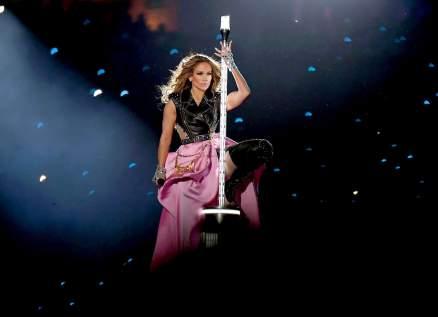منظمة عالمية تهاجم جينيفر لوبيز بسبب حفلها في الـSuper Bowl