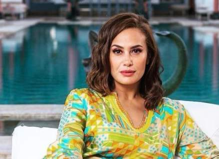هند صبري تتلقى وساماً فرنسياً رفيعاً-بالصور