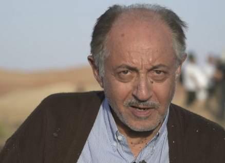 """عبد العزيز مخيون إشتهر في """"ليالي الحلمية"""".. وزوجته وعشيقها حاولا قتله وتعرّض لمحاولة إغتيال"""