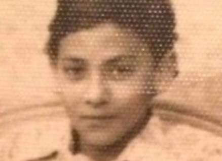 خمنوا من هذا الفتى الذي أصبح ممثلا مصريا