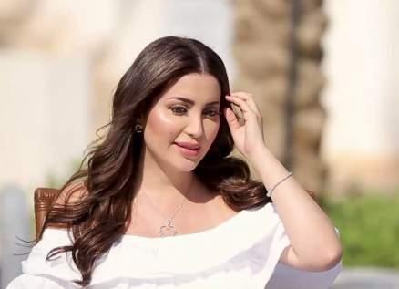 """بالصور- نسرين طافش """"ملكة البطيخ"""" بالمايوه"""