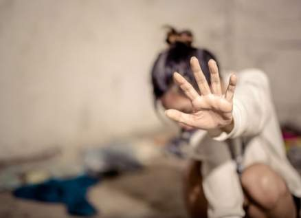 ممثلة مصرية تتعرض للتحرش من طبيب بيطري