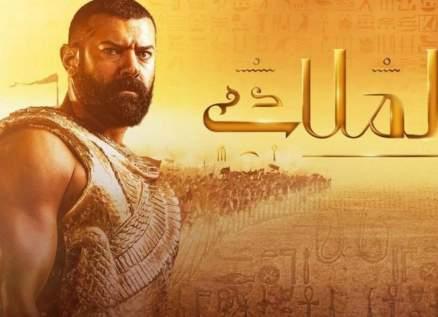 """خاص- الفن يكشف أسباب توقف مسلسل """"الملك"""" والوسط الفني يتضامن مع عمرو يوسف"""