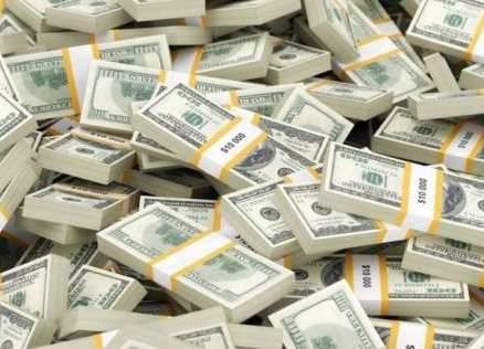 ممثل أميركي ترك بقشيش لعمال مطعمه المفضل بقيمة 21 ألف دولار