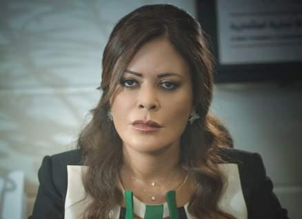 """كارمن لبس تشيد بأداء ستيفاني عطاالله وجان دكاش في مسلسل """"بالقلب"""""""