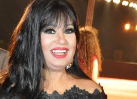 بالفيديو - فيفي عبده تحفّز على الالتزام بالحجر المنزلي برقصة عراقية